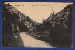 22 SAINT-GILLES-VIEUX-MARCHE Vallée De Poulancre - Saint-Gilles-Vieux-Marché