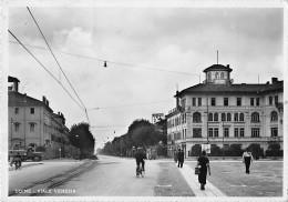 "06034 ""UDINE - VIALE VENEZIA"" ANIMATA, AUTOCARRO ANNI '40. CART. ILL. ORIG. SPEDITA 1942 - Udine"