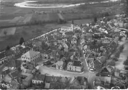 03 - VARENNES SUR ALLIER : Vue Aérienne Du Centre Ville ( Le Valencon Et Au Fond L'Allier ) CPSM Dentelée GF 1954 - Autres Communes