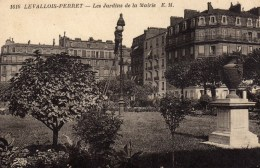 DPT 92 LEVALLOIS-PERRET Les Jardins De La Mairie - Levallois Perret