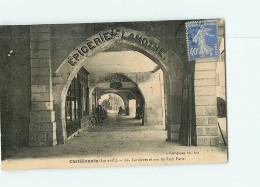 CASTILLONNES - Epicerie Lamothe , Pharmacie - Rue Du Petit Paris- Animée - 2 Scans - France