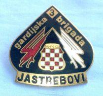 BUSOVACA & VITEZ - BOSNIAN CROATS ARMY HVO In BOSNIA WAR 1992-95. Large Enamel Badge *  Bosnie Bosnien Kroatien Croatia - Heer