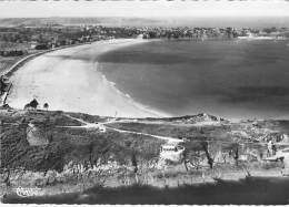22 - SAINT CAST LE GUILDO : Pointe De La Garde Vue Générale De La Plage - CPSM Dentelée N/B GF Postée 1954 Côtes D'Armor - Saint-Cast-le-Guildo