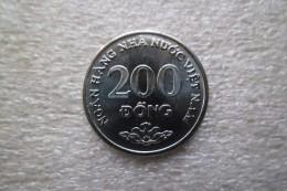 Vietnam 200 Dong  2003  UNC - Vietnam
