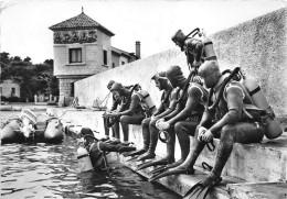83-ILE DE BENDOR- BANDOL- LES HOMMES GRENOUILLES - Autres Communes