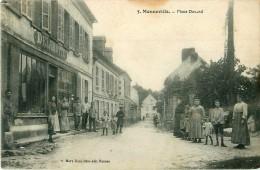 Cpa MONNEVILLE 60 Place Durand - Animée - Chaussures Mercerie DELAMOTTE, Rue De La Poste - France