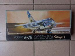 Maquette Avion Militaire-en Plastique-.---1/72 Fujimi A-7E CORSAIR II F-9 STINGER KIT N°F9-800 - Airplanes