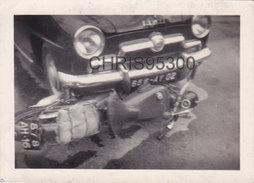 PHOTO - AUTOMOBILE - VOITURE SIMCA - MOTO - ACCIDENT DE LA ROUTE - 1 RUE BOISSIERE PARIS - Automobile