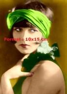 Reproduction D'une Photographie D'un Portrait De Louise Brooks Avec Un Foulard Vert Dans Les Cheveux - Reproductions