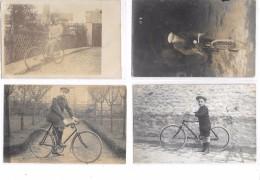 Lot De 4 Cartes Photos  : Personnages à Vélo, Cyclistes, Vélos Anciens, - Cartes Postales
