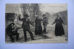 CPA 15 63 43 03 AUVERGNE. Bourrée D Auvergne. Présentation Des Dames. 1914.