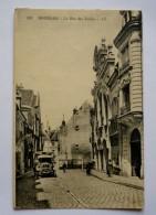 18 - BOURGES - La Rue Des Toiles- Camion Ancien - Bourges