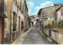16 - BARBEZIEUX : Rue Des Hautes Douves - Jolie CPSM Dentelée Colorisée Grand Format Postée 1968 - Charente - France