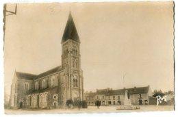 NOZAY L'Eglise Et La Place - France