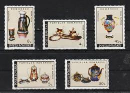 1992 -  Porcelaines  Mi No 4771/4775 Et Y&T No 3986/3990  MNH - 1948-.... Republiken