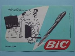 Mais ... Est-ce La VRAIE Pointe BIC ( Details Zie Foto ) ! - Buvards, Protège-cahiers Illustrés