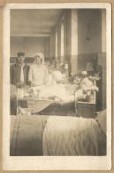 1914  18   HOPITAL  MILITAIRE   -   BLESSES  - INFIRMIERE - Guerre 1914-18