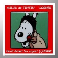 """SUPER PIN´S BD : TINTIN, De La Série CORNER Des Carrés, Le SUPERBE """"MILOU"""" N°252 Email Grand Feu Base Noire - Comics"""