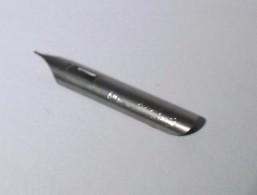 Plume LA BABILLARDE  CEMENTEE   N° 2770 Blanche   GILBERT  BLANZY POURE - Pens