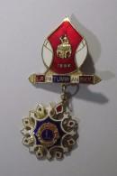 Grand Insigne LION'S CLUB  Offert à L'occasion De La Création Du LION'S CLUB  De  PATUMWAN à Bangkok - Organizations