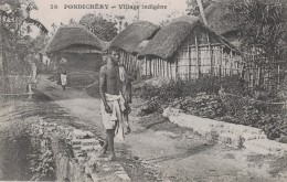 PONDICHERY - VILLAGE INDIGENE - Cartes Postales