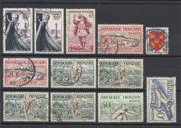 FRANCE - LOT DE 12 TIMBRES OBLITERES - COTE YT : 6.20€ - 1953
