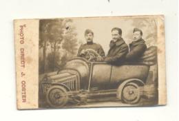 Petite Photo Sur Carton Surréaliste - Militaires Dans Une Voiture, Photo De La Foire à LIEGE -  (b188) - Automobiles