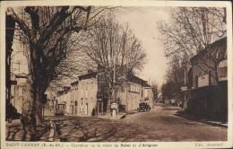 CPA.- B-du-Rhône - SAINT-CANNAT - Carrefour De La Route De Salon Et D'Avignon - Bon Etat - Francia