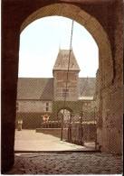 YVOIR - SPONTIN SUR BOCQ (5530) : Le Château Féodal, XIIè-XVIè S. Porche Du Pont-levis. CPSM. - Yvoir