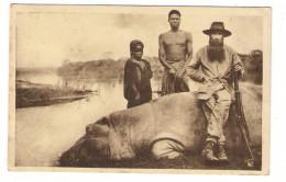 GABON  /  LOANGO  /  UN  HIPPOPOTAME  TUE  PAR  UN  FRÈRE  DE  LA  MISSION  ( Chasse, Fusil ) /  Edit.  SPIRITUS - Gabon