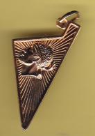 Médaille Corse Plaqué Or. - Pendentifs