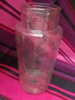 Ancien Grand Pot En Verre  Bonbons, épicerie  Hauteur 28.5cm Diametre Du Cul 14cm Nombreuses Bulles - Glass & Crystal