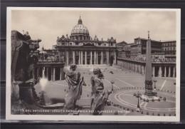 = Carte Postale Italie Rome Vue Panoramique De La Place Saint Pierre, Le Vatican Timbre Oblitéré 18.4.35 - San Pietro