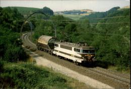 12 - Entre ENGAYRESQUE Et SEVERAC - Locomotive - Train - SNCF - Autres Communes