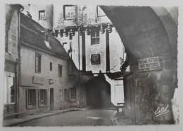 CPSM Semur-en-Auxois - Porte Sauvigny (42013) NEUVE - Semur