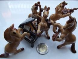 ANIMAL ORCHESTRE CHEVAL CHEVAUX PIANO PORCELAINE MUSIC HORSE MINIATURE CERAMIC - Objets Dérivés