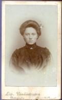 Foto Hard Karton - Photo Carton - Femme Vrouw  - Fotograaf Leopold Vanderstraeten - St Amandsberg - Photos