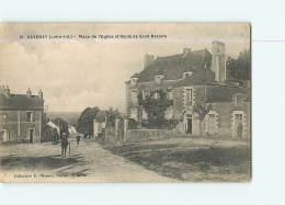 SAVENAY : Place De L'Eglise Et Route De Saint Nazaire. 2 Scans. Edition Chapeau - Savenay