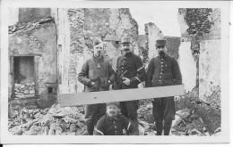 Officiers Français Du 52ème Régiment D'infanterie Territoriale Avec Jumelles Et Carnet 1 Carte Photo 14-18 Ww1 - War, Military
