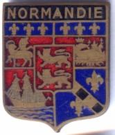 ANCIEN BLASON Emaux Sur Cuivre BLASON NORMANDIE - Année 1950 - Jetons & Médailles