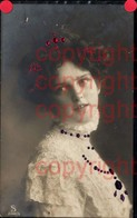 465883,Material Karte Glitzersteine Glitzer Frau Portrait - Ansichtskarten