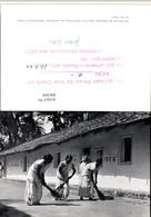 496364,India Schülerinnen Der Christlichen Tabita-Schule Typen Besen - Indien