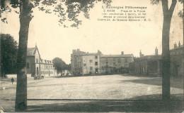 CPA 63 RIOM PLACE DE LA PRISON DES COMDAMNES A MORT - Riom