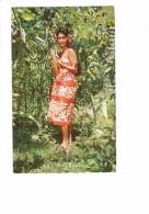 TAHITI - 1967 Pollinating Flowers Of Vanilla Plant - Mariant Las Fleurs De Vanille - Photographe Sounam - Femme Vanille - Tahiti