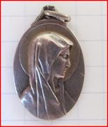 Belle Médaille Religieuse Ancienne Argent Silver ND Notre Dame De Lourdes Catholique Etat TB - Religion & Esotérisme