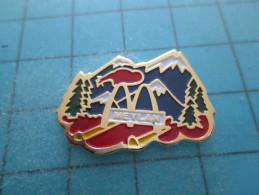 PIN615c Pin´s Pins /   McDONALD´S  : Belle Qualité  RESTAURANT McDO MEYLAN ISERE      INSCRIPTION AU DOS ,  Voir Photo N - McDonald's