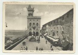 S.MARINO PIAZZA DELLA LIBERTA' E PALAZZO DEL GOVERNO VIAGGIATA FG F.BOLLO ASPORTATO - San Marino