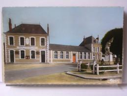 LE THEIL SUR HUISNE (61) - PLACE DE LA MAIRIE - France