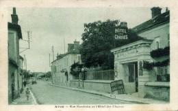 AVON Rue Gambetta Et L'Hotel Des Chasses - Avon