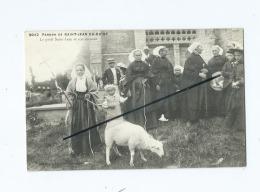 CPA   -   Pardon De Saint Jean Du Doigt - Le Petit Saint Jean Et Son Mouton - Saint-Jean-du-Doigt